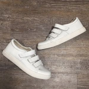 NWOT Kenneth Cole Velcro Sneakers